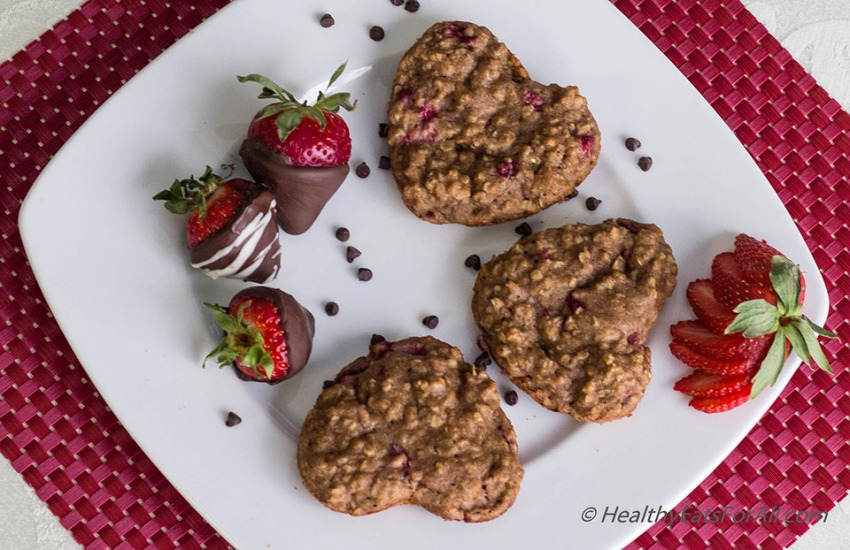 Strawberry Oatmeal Yogurt Muffins-16a