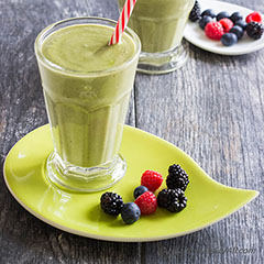 Avocado Berry Smoothie